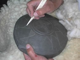 The shiny effect on the surface of many terramare pots, especially tableware, is obtained by prolonged smoothing and working the particles of clay uniformly. This is done with a smoothing stone and a stick made of horn. Decorating and applying a finish must be done when the clay achieves a leathery consistency, not too soft and not too hard.