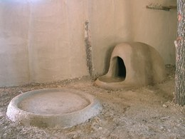 In the two dwellings, fireplaces and domed ovens were built in direct contact with the floor.