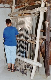 The loom was formed of two side spars joined by cross spars and was fixed, slightly inclined, to a wall or a beam in the house. It could be up to two metres wide. At Montale, two looms have been reproduced 120 cm and 160 cm wide respectively.